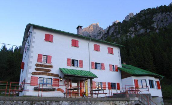Rifugio De Gasperi